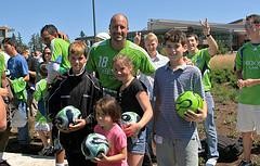 Kasey Keller with the Kids