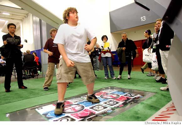 Dance Dance Révolution  Bu_treadmill055
